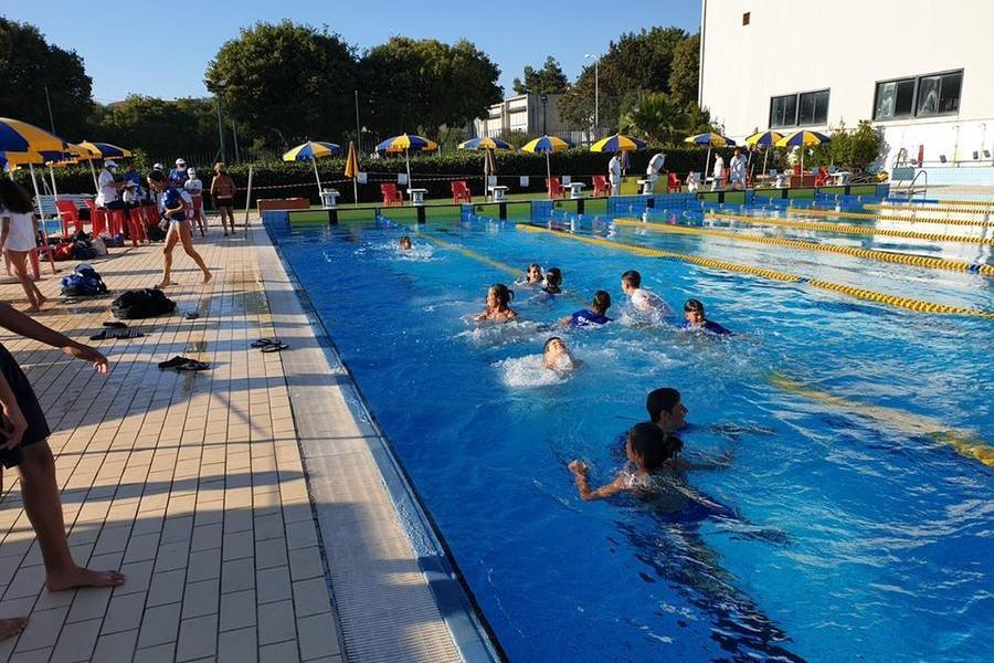 Campionati esordienti di nuoto (foto Serreli)