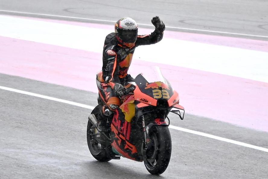 MotoGp, in Austria vince Binder su Bagnaia. Rossi ottavo omaggiato dagli organizzatori