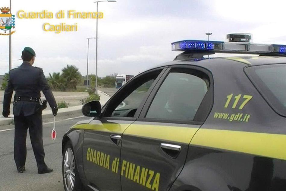 Rifiuti pericolosi: sequestrata discarica abusiva in provincia di Cagliari