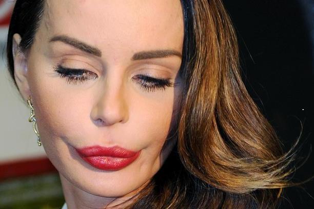 Maltrattamenti a Nina Moric, la procura chiede archiviazione dell'indagine sull'ex Favoloso