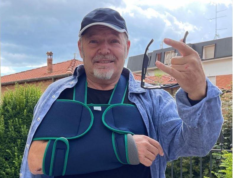 """Vasco Rossi cade in bicicletta e si lussa una spalla: """"Un male boia"""" - L'Unione Sarda.it"""