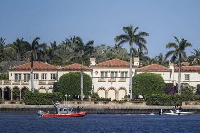 Covid, focolaio nella residenza di Trump in Florida