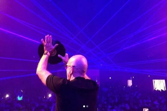 Discoteca Covid free: in 2.700 a San Marino ballano fino all'alba con Sven Vath