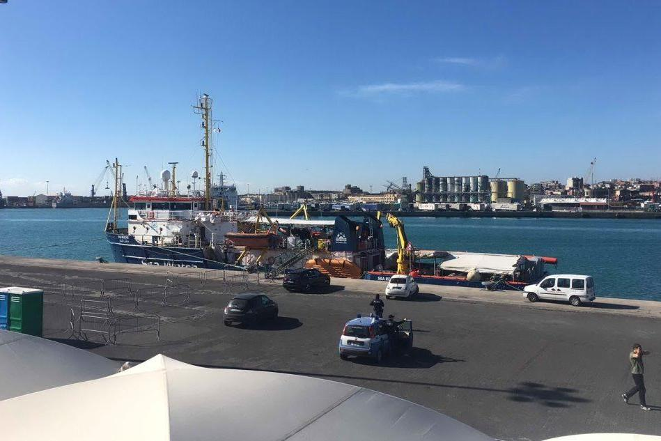 Ancora problemi per la Sea Watch: deve restare a Catania