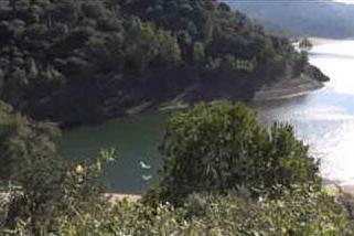 Il bacino di Cucchinadorza quasi vuoto