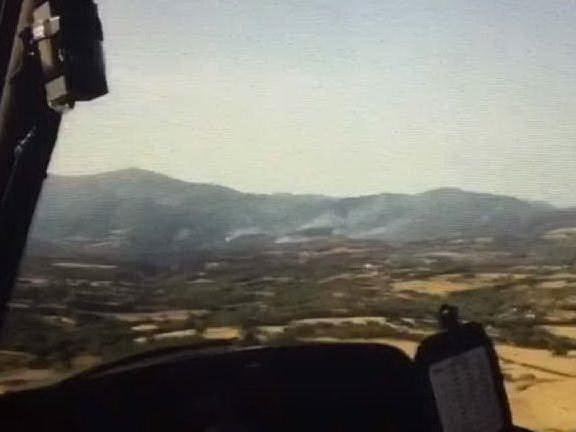 Fuoco ad Arbus: l'incendio ripreso dall'elicottero