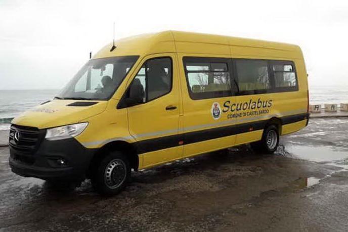 Castelsardo, un nuovo scuolabus per gli studenti