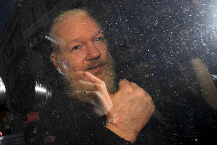 """""""La Cia voleva rapire e assassinare Assange"""":la rivelazione dei media americani"""