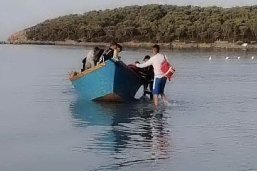 A Sant'Antioco il primo sbarco di migranti dell'anno