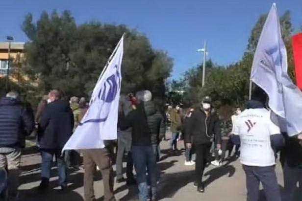 """Air Italy, l'sos dei lavoratori a un anno dallo stop: """"Non dimenticateci"""""""