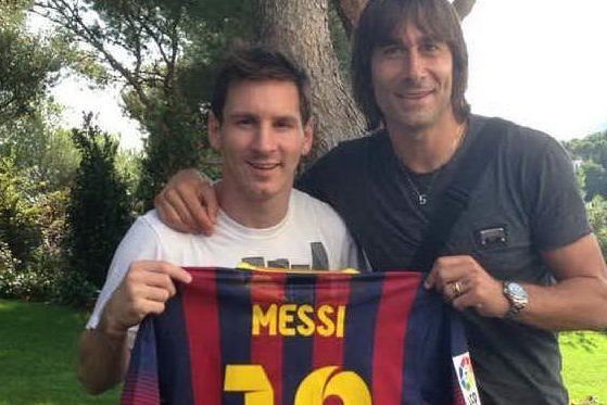 Perché la maglia di Conti è nella bacheca di Messi? Svelato il mistero