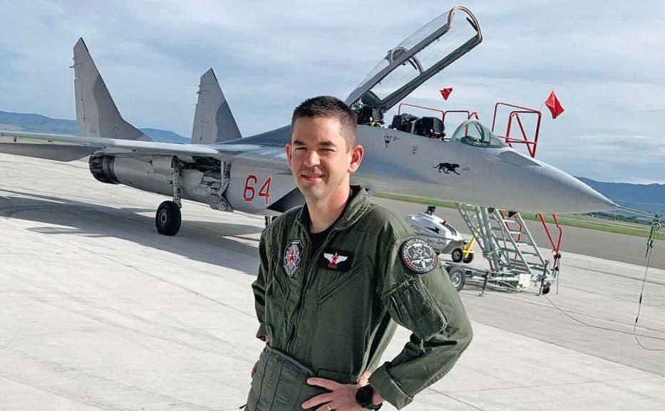 L'imprenditore Jared Isaacman con il suo Mig 29 (foto Floris)