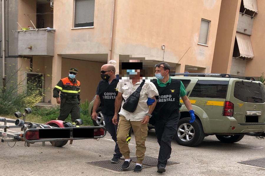 L'arresto (foto Ufficio stampa Regione Sardegna)