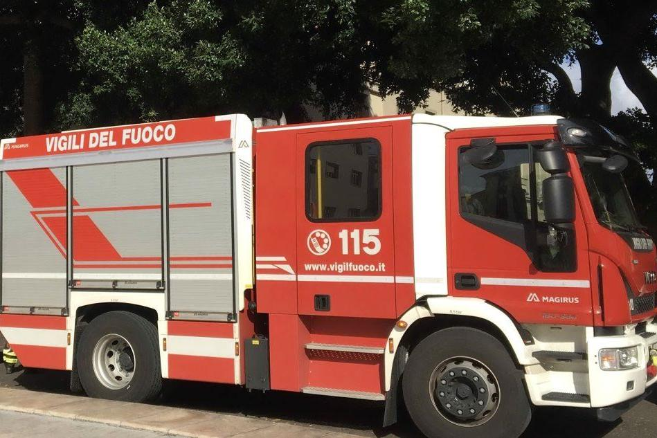 I Vigili del fuoco di Oristano (foto Sanna)