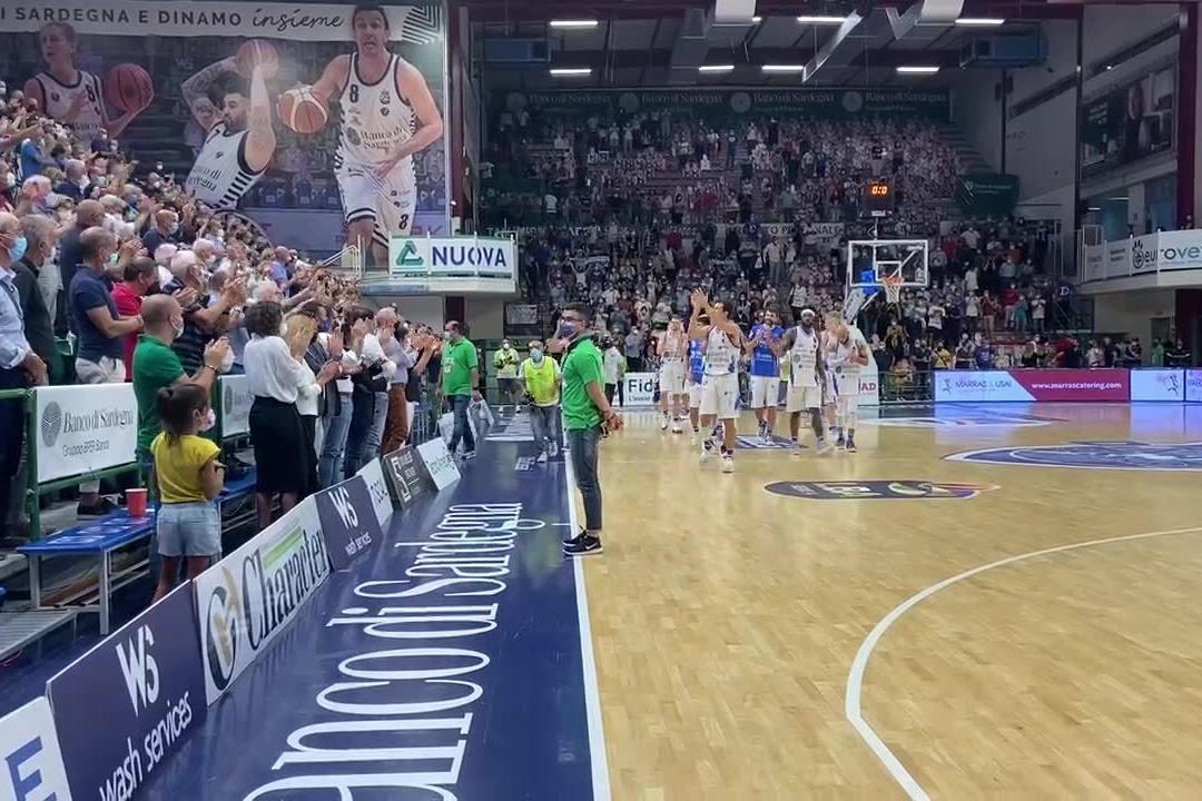 Dinamo batte Pesaro, i festeggiamenti