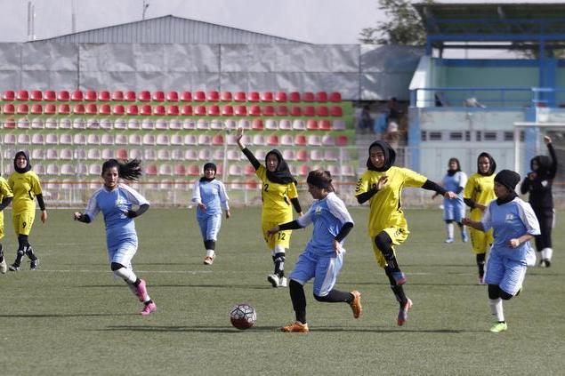 Afghanistan, la Nazionale di calcio femminile fugge in Pakistan