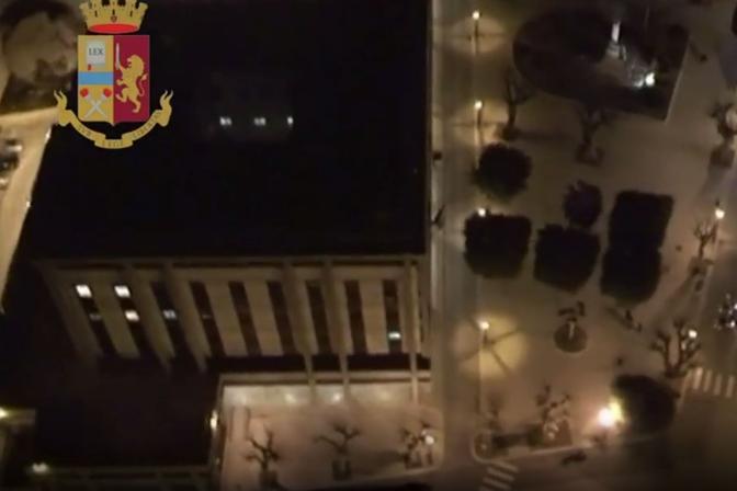 Perquisizioni in Sicilia, si cerca il boss Messina Denaro