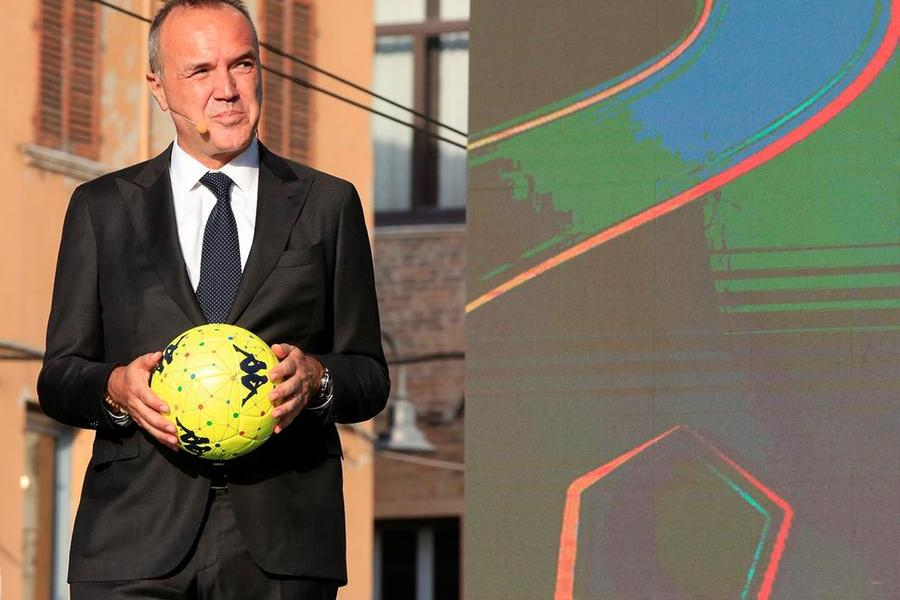 La Lega Serie B aiuta le popolazioni colpite dai roghi
