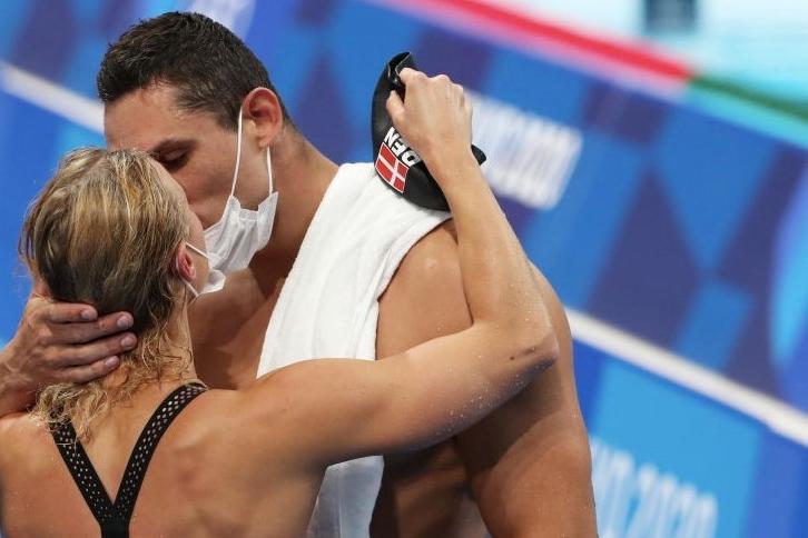 Niente baci e abbracci, il rigido protocollo delle Olimpiadi