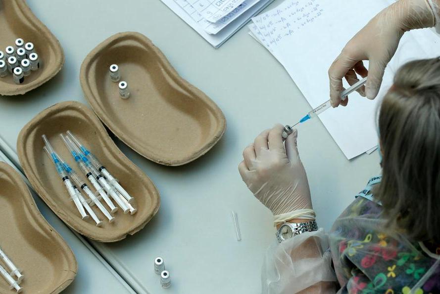 Vaccini, sprint in Sardegna: in un giorno somministrate 13.700 dosi