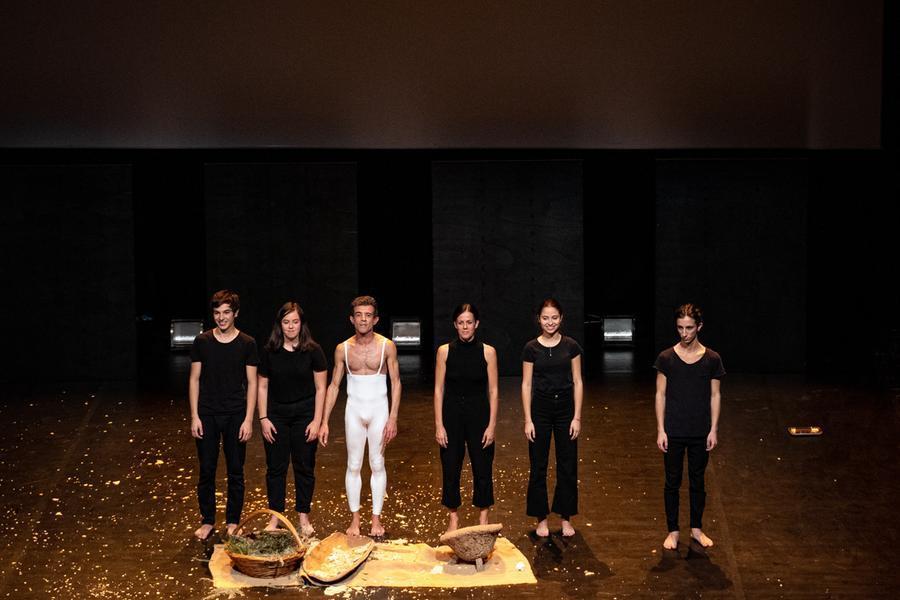 Nuoro, le coreografie di Camacho incantano il pubblico dell'Eliseo
