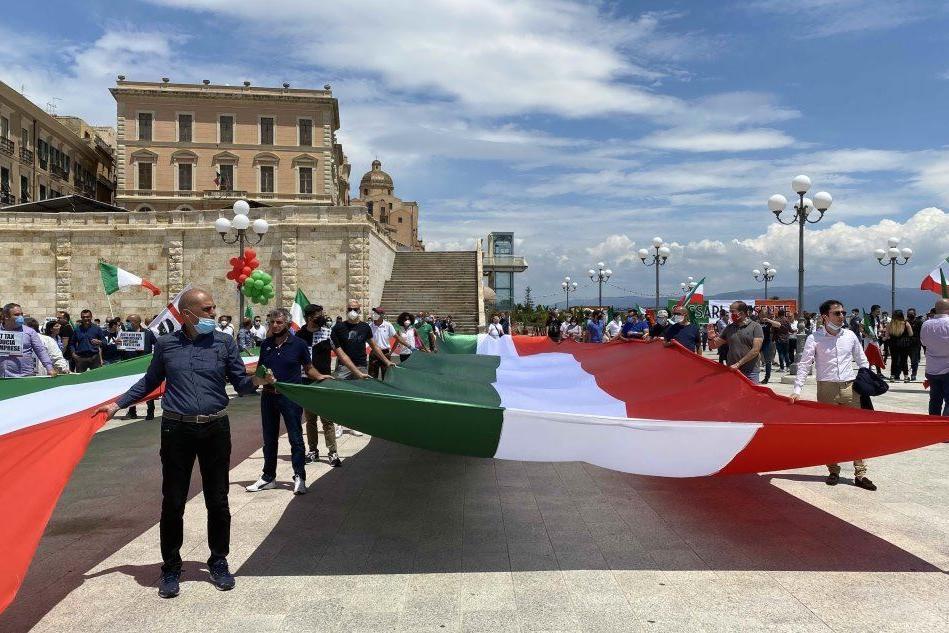 Centrodestra in piazza a Cagliari contro il governo