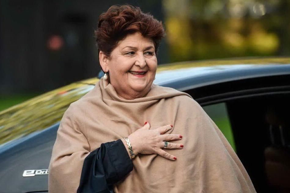 """Latte, il ministro Bellanova: """"Presto in Sardegna per dare risposte agli allevatori"""""""