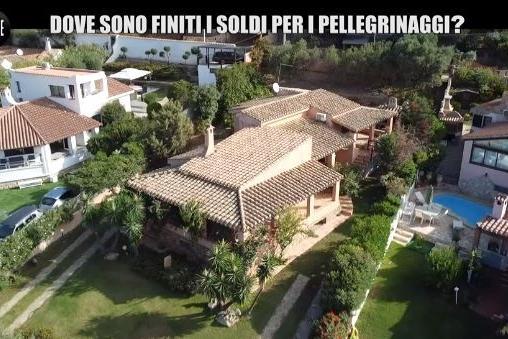 """""""Villa in Sardegna comprata con i soldi per i bimbi malati"""". Gli indagati: """"Chiariremo tutto"""""""