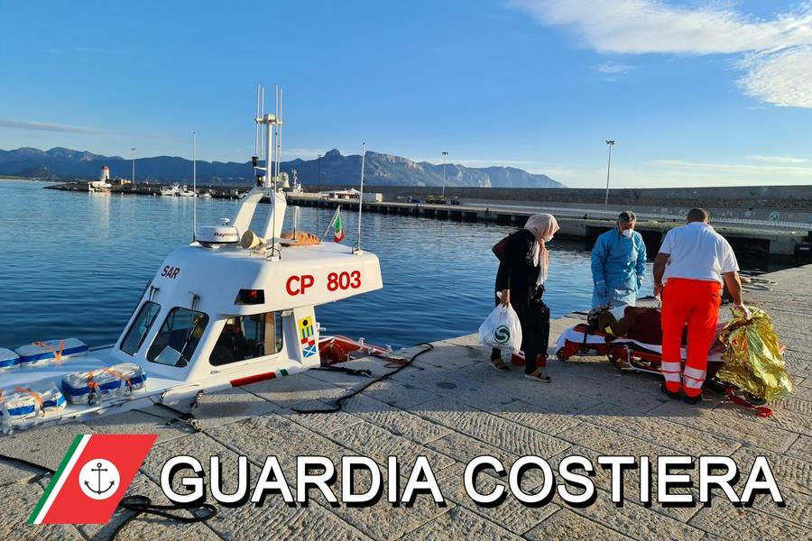 Arbatax, malore per una passeggera di una nave: interviene la Guardia Costiera