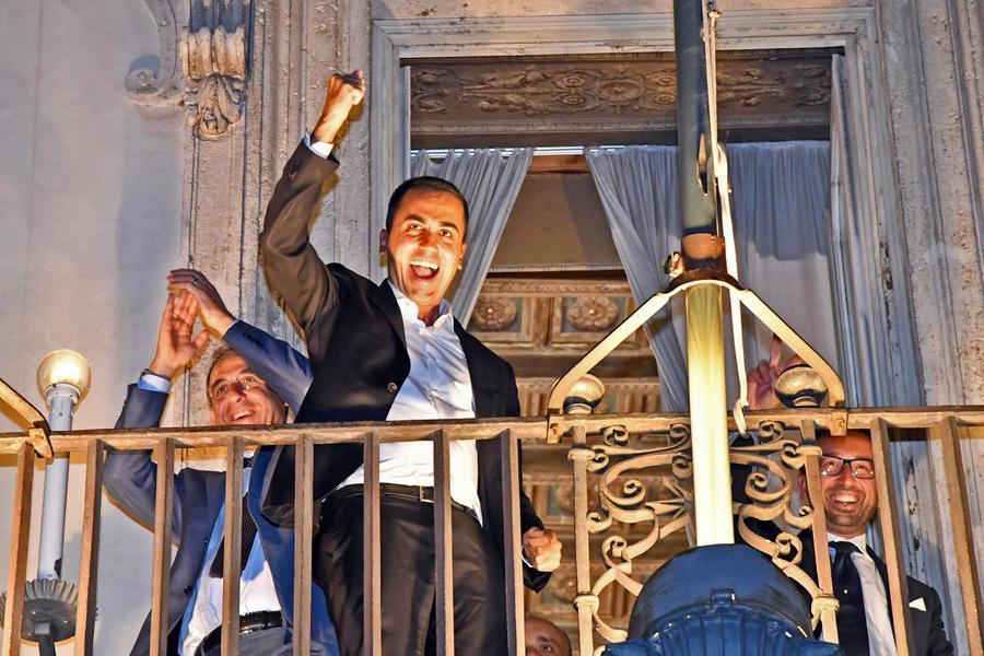 """Di Maio: """"Salvini la persona più falsa che conosca. Abolizione povertà? Sbagliai a dire quelle parole"""""""
