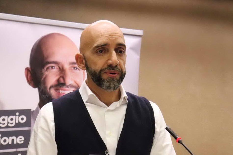 Umbria: polemiche per i fondi a Bianconi, candidato Pd-M5S
