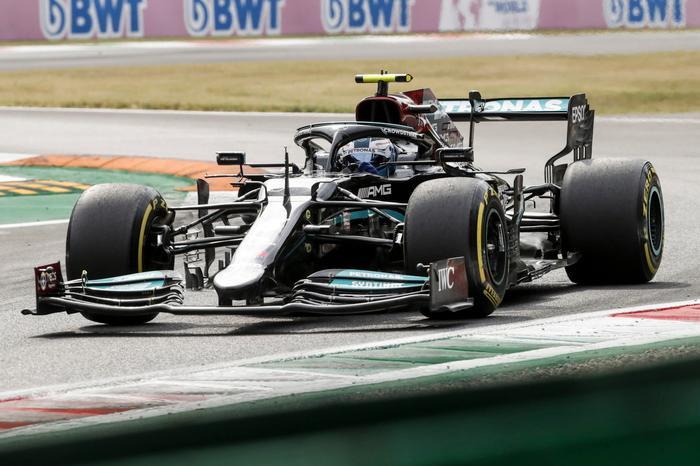 Gran Premio di Monza:a Bottas le qualifiche per la Sprint Race, le Ferrari in quarta fila
