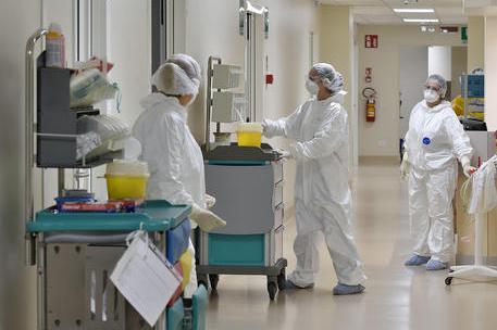 In Italia superati i 4mila contagi, ma è record di test: 48 vittime nelle ultime 24 ore