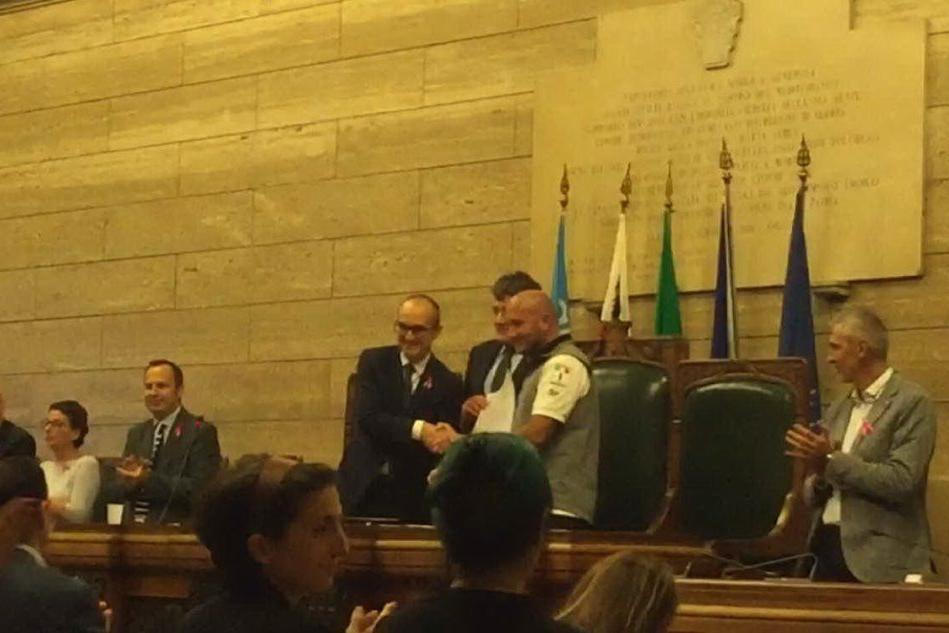 """Max Sirena cittadino onorario di Cagliari: """"Il posto più bello del mondo"""""""