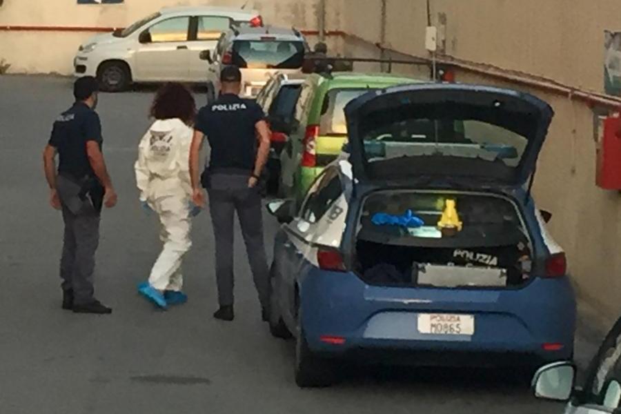 Cagliari, il triplice accoltellamento per un'auto in riparazione: due arresti