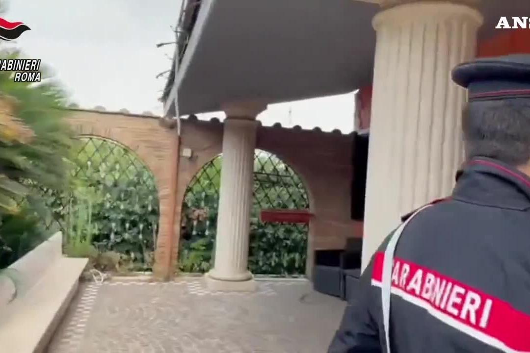 Casamonica, le villette diventano case per i carabinieri