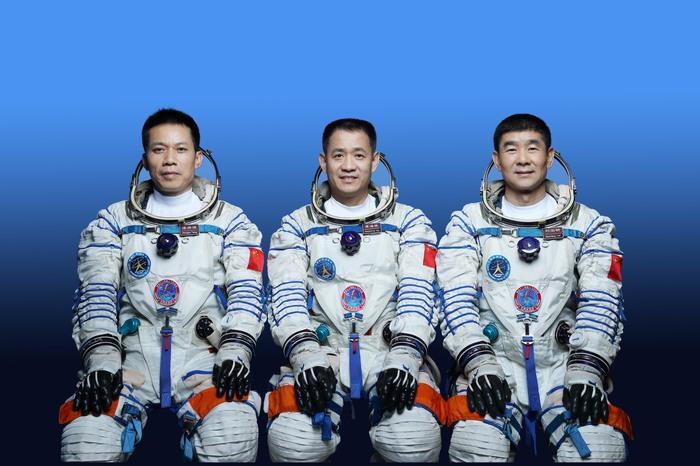 Rientrosulla terra per tre astronauti cinesi: si conclude la più lunga missione spaziale del Dragone
