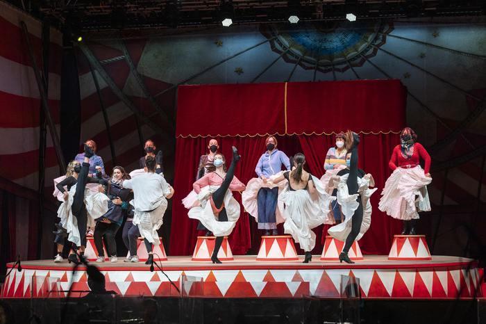 Un'immagine dallo spettacolo (foto Ansa)