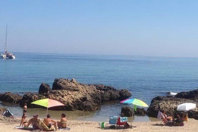 Porto Torres, sicurezza nei lidi: la Lega Navale posiziona le boe