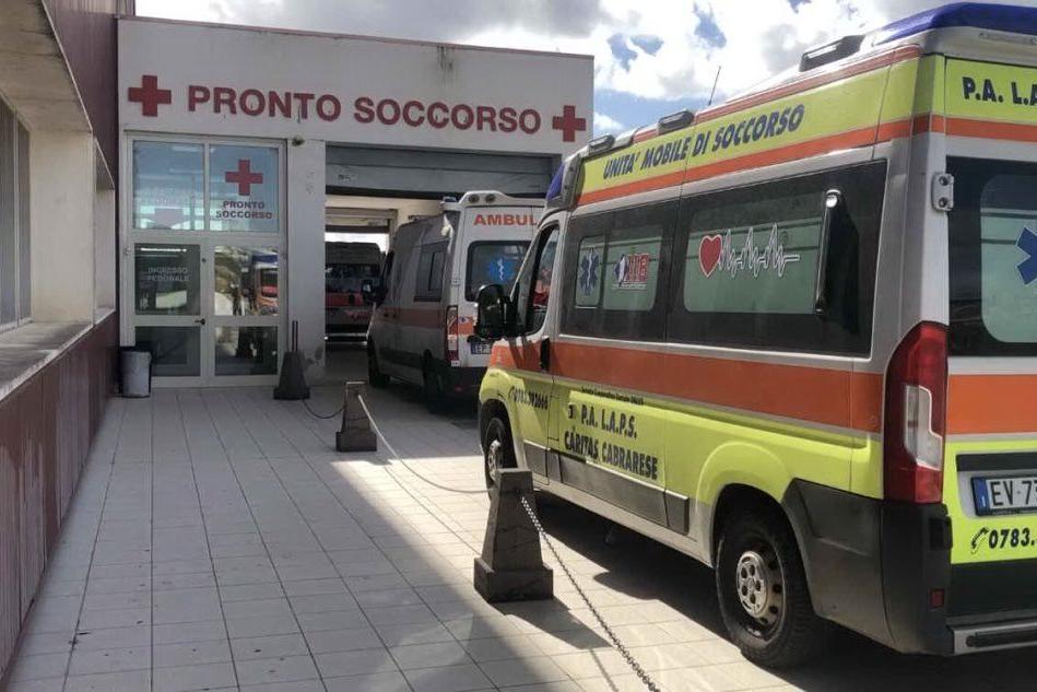"""Oristano, Pronto soccorso di nuovo in stop: casi Covid in """"area pulita"""""""