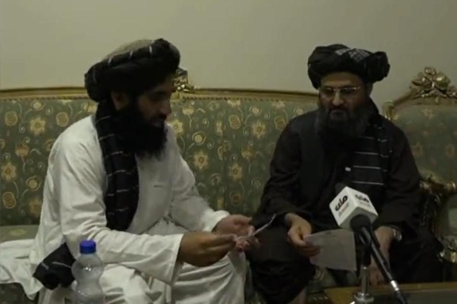 """Riappare il vicepremier talebano: """"Sto bene e sono in salute"""""""