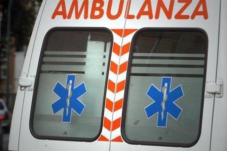 Un'ambulanza (Ansa)
