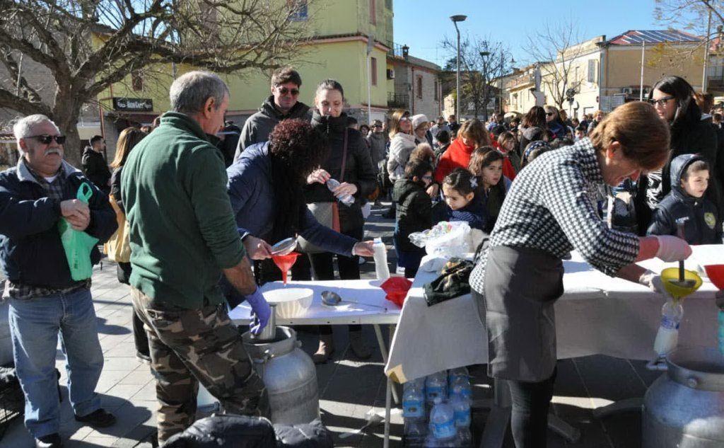 A Mogoro gli allevatori hanno regalato il formaggio agli studenti (L'Unione Sarda - Pintori)