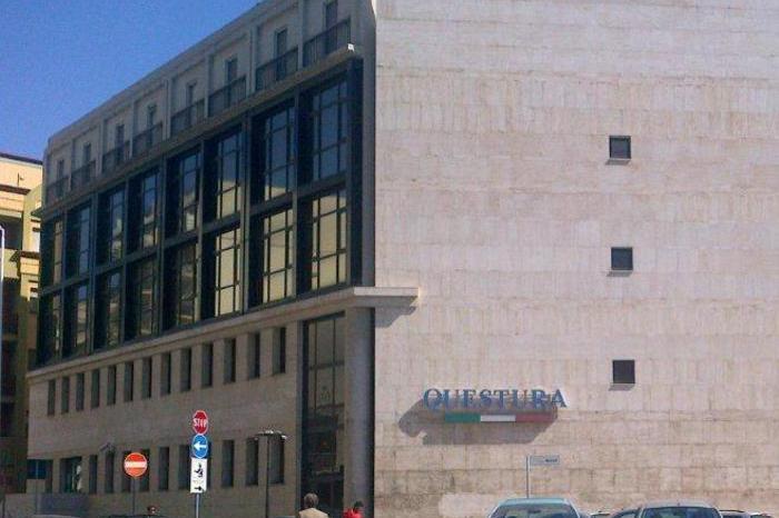 Polizia: la Questura di Cagliari (Ansa)