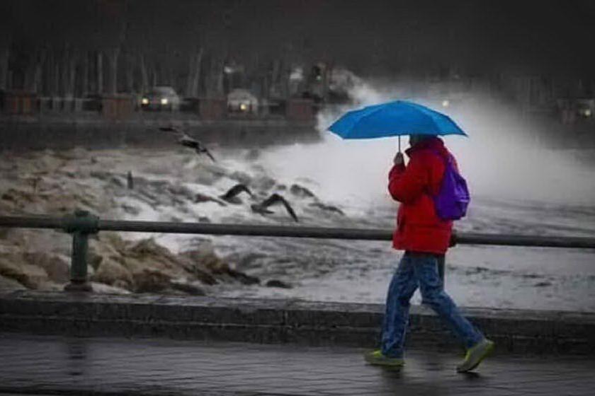 Piogge, venti di burrasca e mareggiate: allerta meteo nell'Isola
