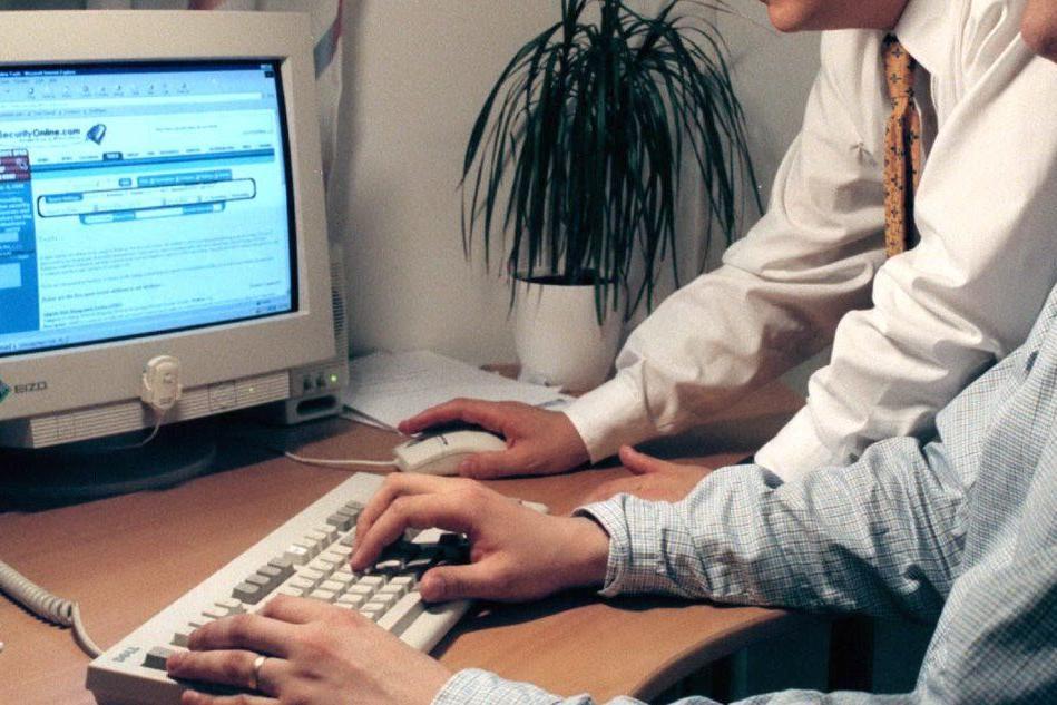 Esperti di informatica al lavoro