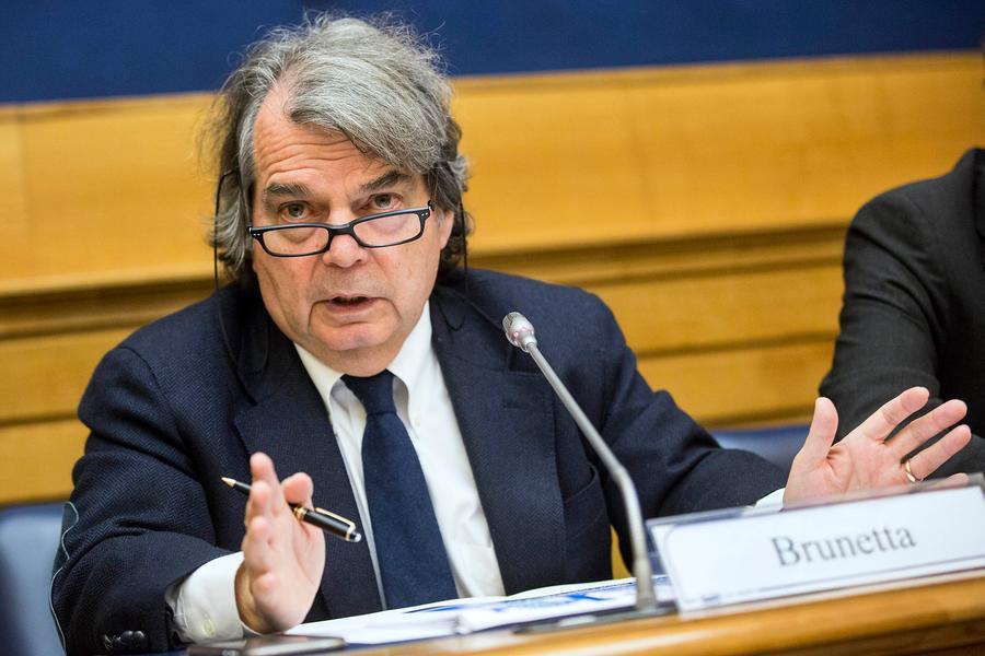 Il ministro della Pubblica amministrazione, Renato Brunetta (Ansa)
