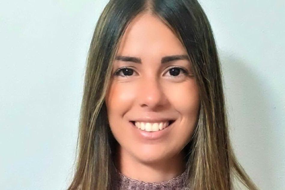 Alessia Valente vince le elezioni a Pau, il paese dell'ossidiana