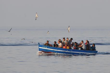 Nuovisbarchi nel sud Sardegna: altri 21 migranti a Monastir