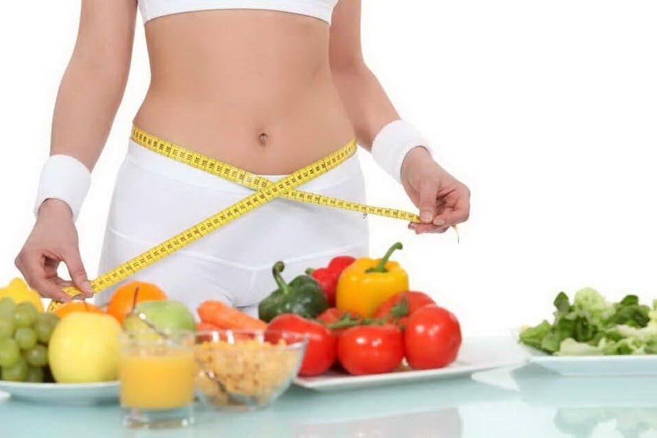 Una dieta detox dopo gli eccessi a tavola durante le feste